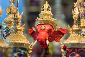 india-elephant-gold-jewellery-figurine-900